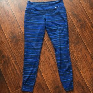 Nike dri-for printed leggings 25""